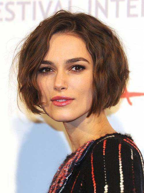 Short Hairstyles for Wavy Hair-9