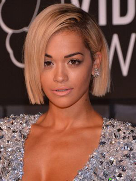 Awesome and Alluring Bob Cut of Rita Ora