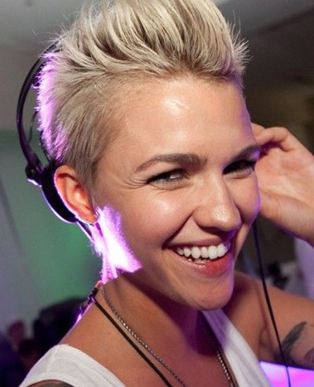 Ruby Rose's Charming and Spiky Pixie Cut
