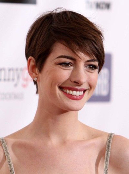 Anne Hathaway's Lovely Pixie Cut