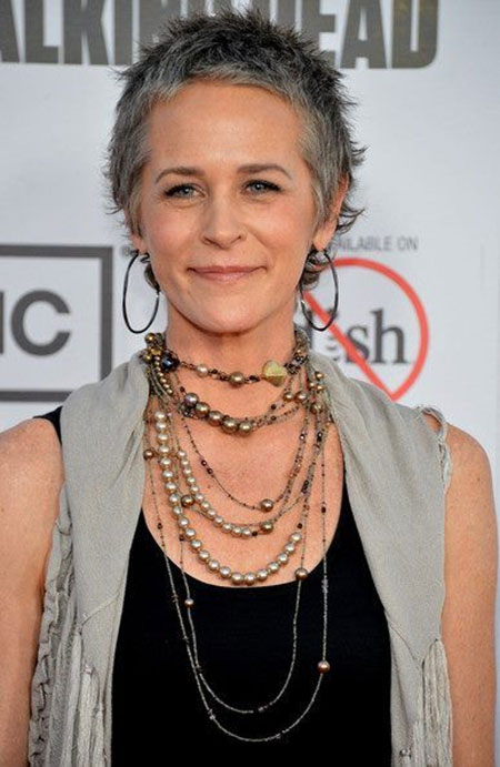 Photos Of Short Haircuts for Older Women_9