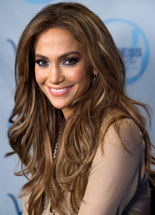 Jennifer Lopez Lange Frisuren: Mittellanges welliges Haar