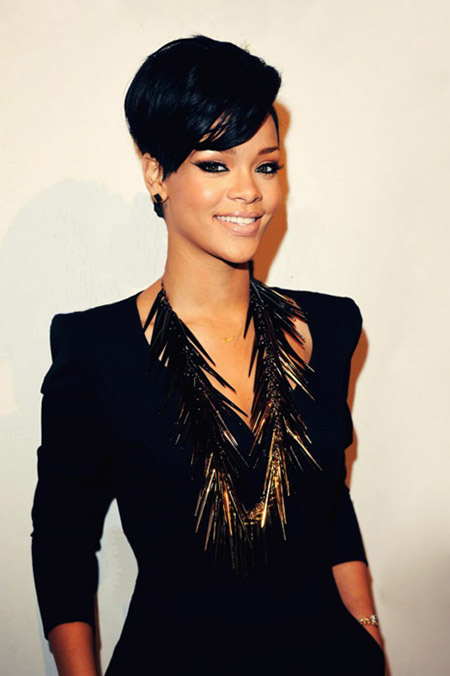 Rihanna's Lovely and Charming Pixie Cut