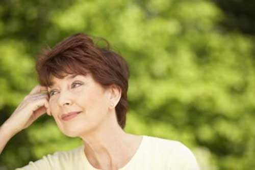 Short Hair For Women Over 60-12