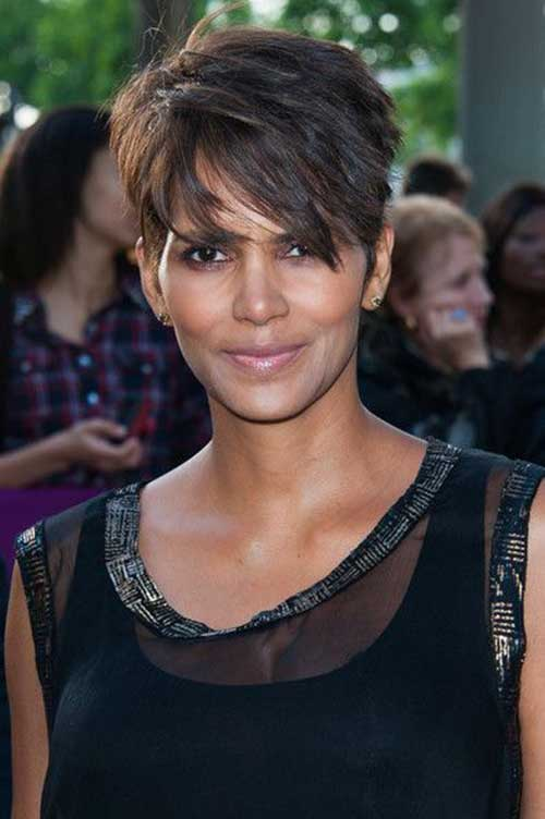 Halle Berry Pixie Cuts-18