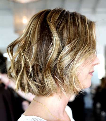 Simple Side Parted Wavy Hairstyle