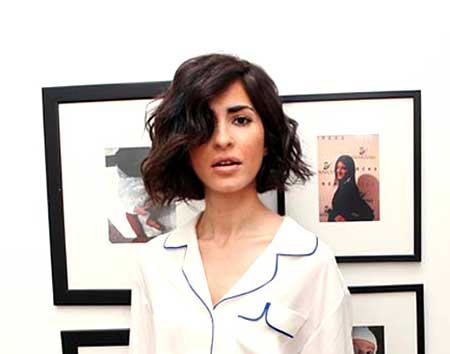 Short Inverted Wavy Bob Hairstyle for Girls