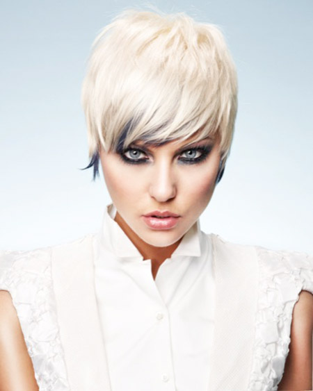 Fabulous Pixie Cut with Tinge of Navy Blue Color