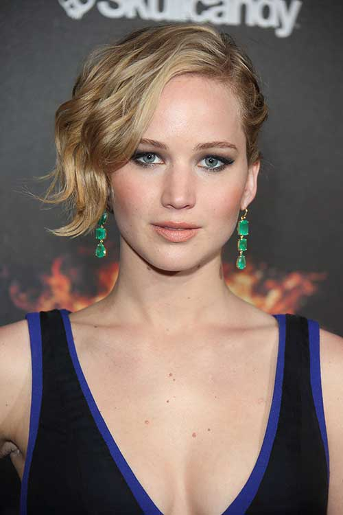 Jennifer Lawrence with Short Hair-6
