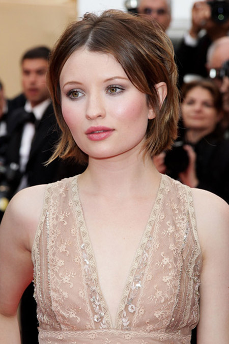 Alluring Bob Cut of Emily Browning
