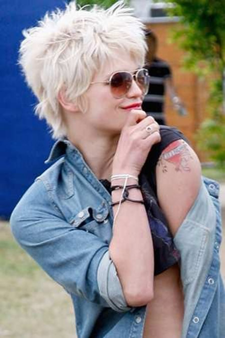 Pixie Geldof's Awesome Spiky and Messy Bop Cut