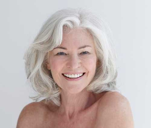 Gray Hair Trend for Older Women