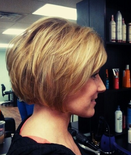 Easy Stacked Bob Haircut für 2018
