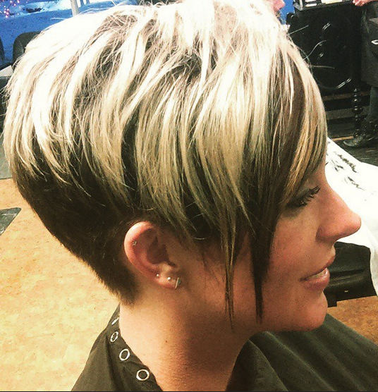 Chic Short Haircut für Frauen