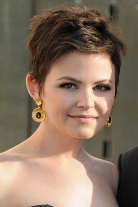 Best Short Hairstyles for Round Faces_19