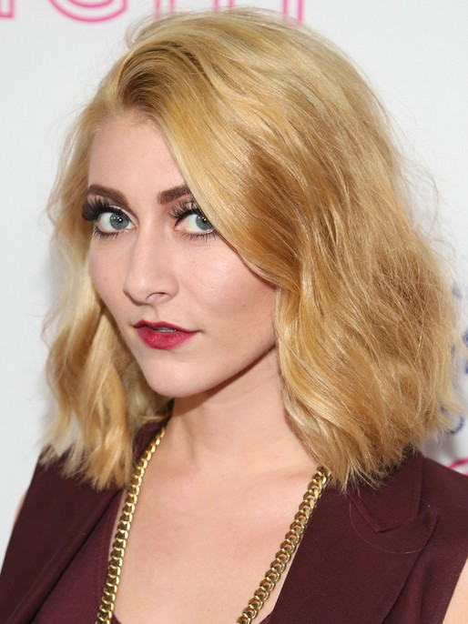 Amy Heidemann Blonde Frisuren: 2018 stumpfe, schulterlange Frisur