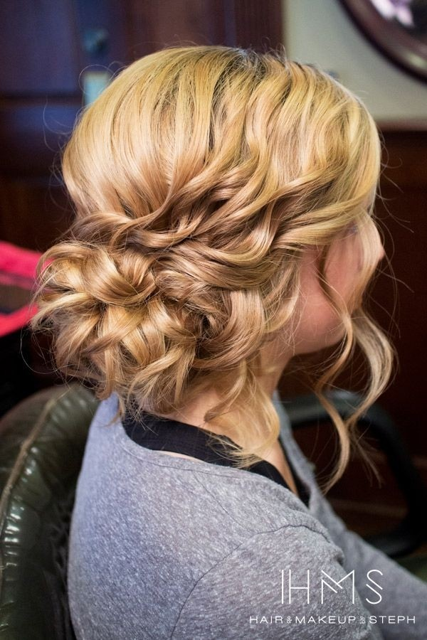 Side Updos für lockiges Haar - lange Frisuren 2018