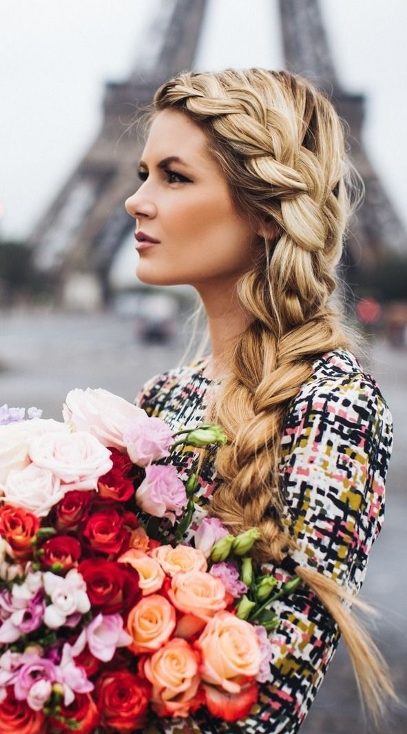 Loose Side Braid: Geflochtene Frisuren-Ideen