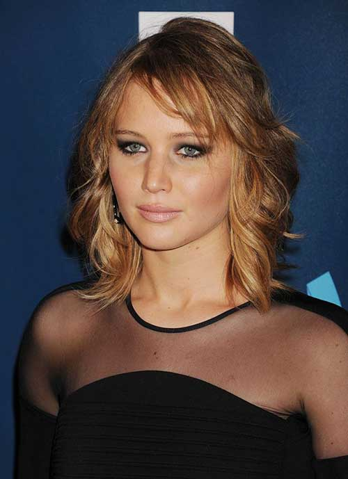 Jennifer Lawrence with Short Hair-16