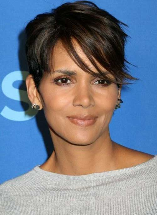 Short Haircuts for Women Over 40-24