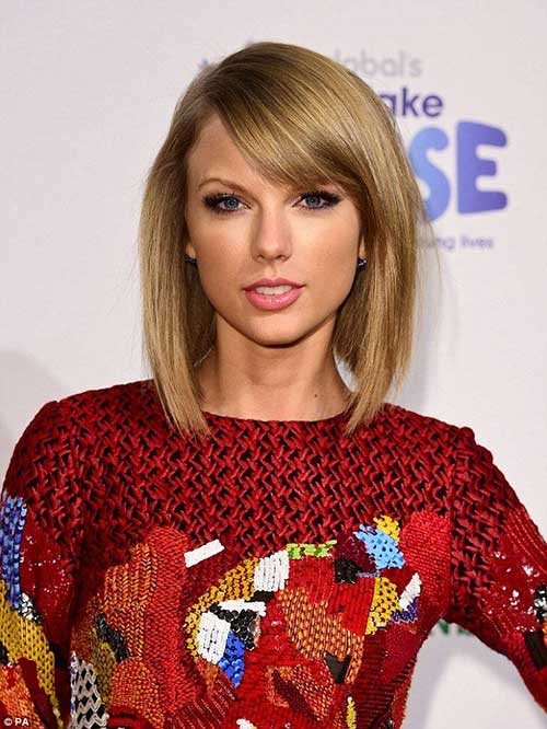 Taylor Swift Natural Hair Side Bangs