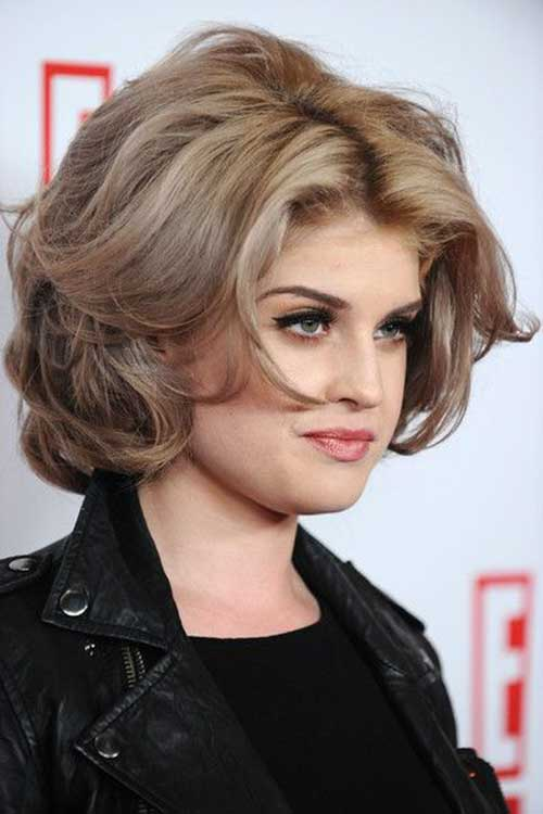 Short Haircuts for Women with Round Faces-9