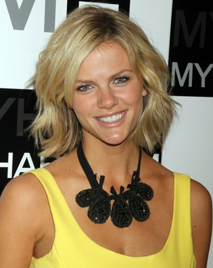 Brooklyn Decker Short Hairstyles