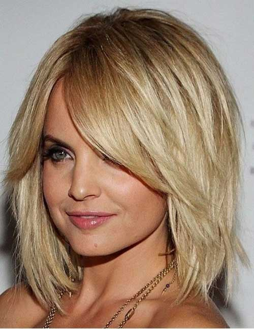 Short Bobs for Round Faces-22