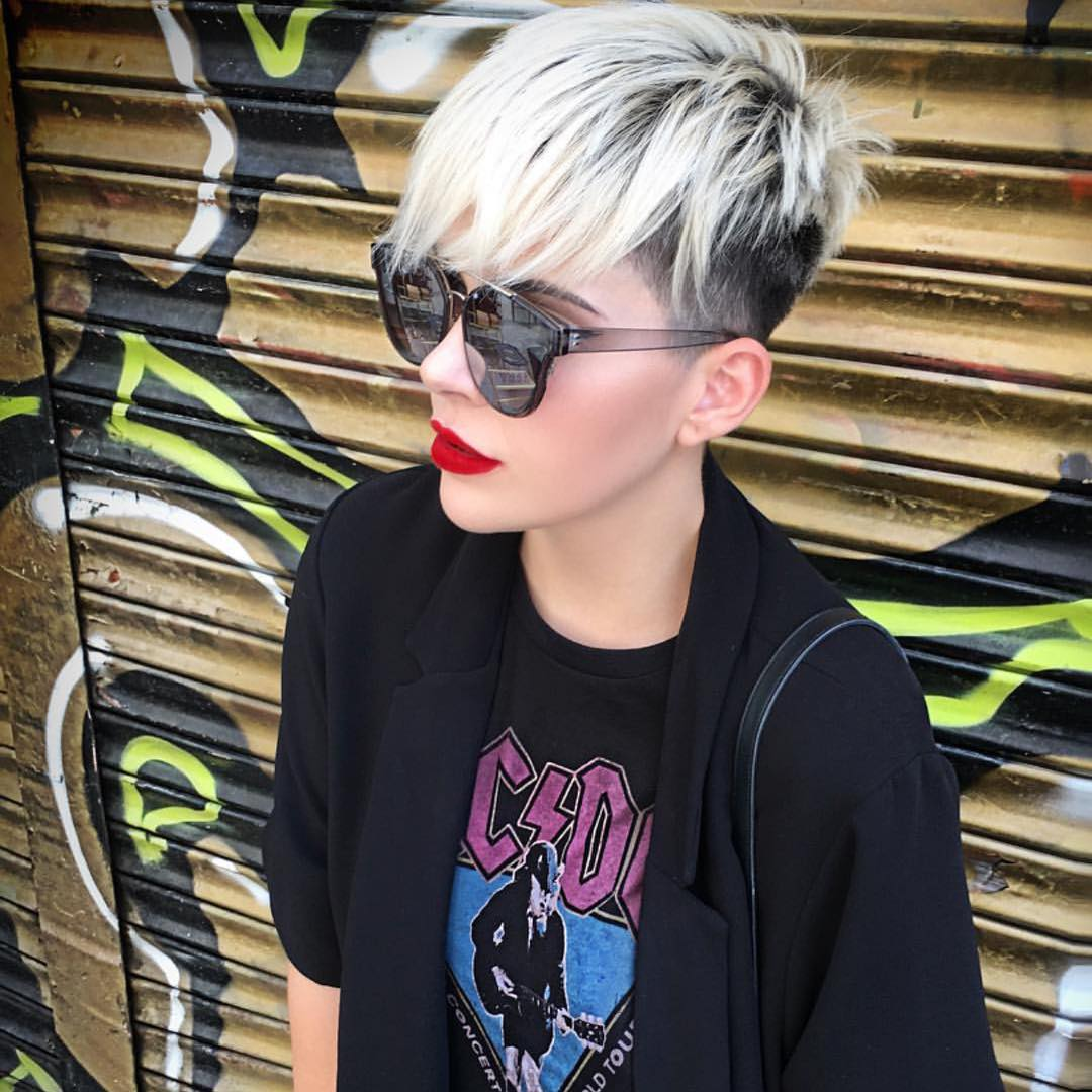 Short Straight Hairstyle - Short Haircuts for Women and Girls