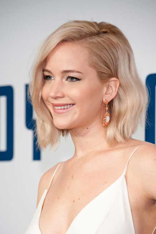 Celebrities with Long Bobs-11