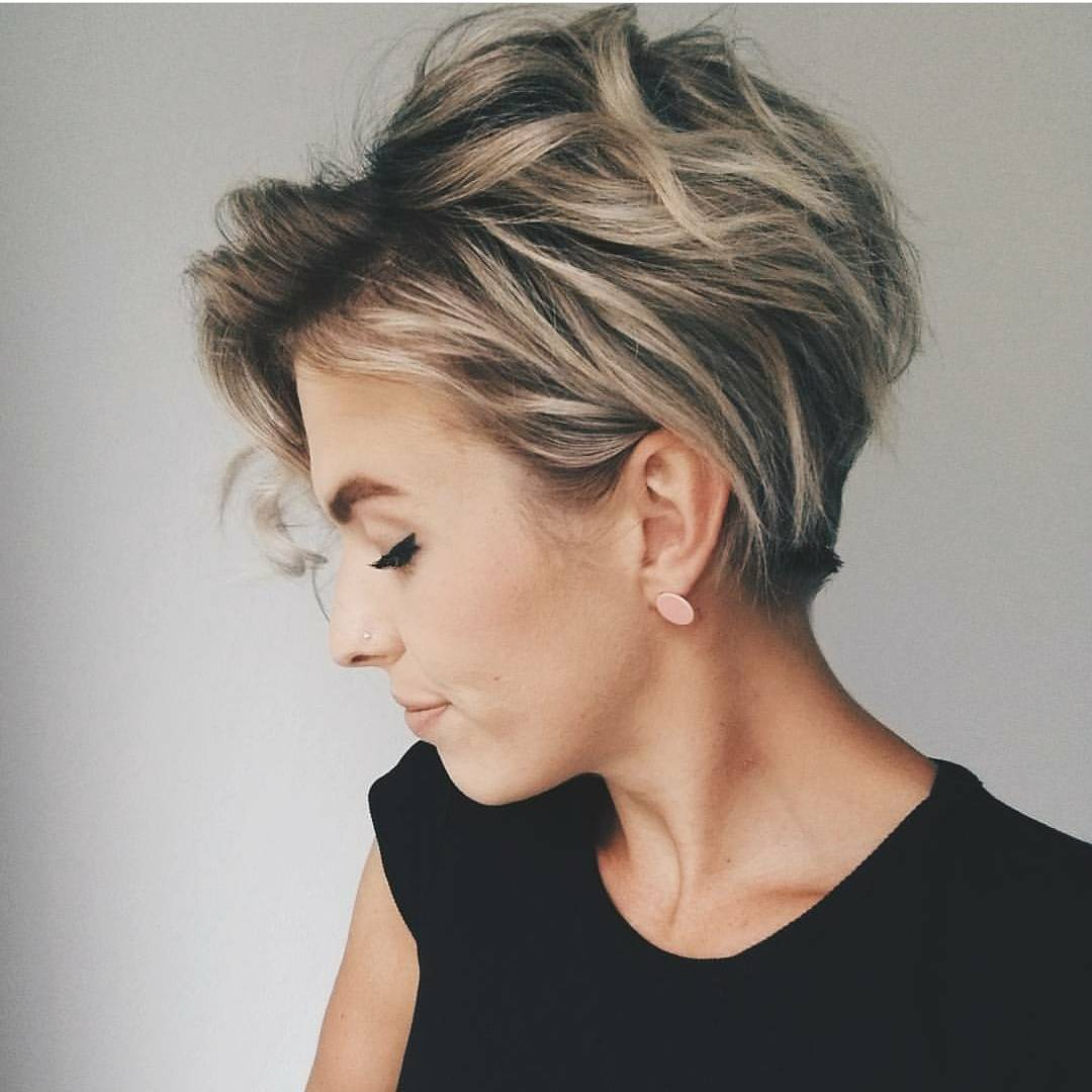 Trendy Messy Hairstyles for Short Hair, Women Short Haircut Ideas