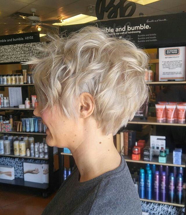 Stylish Short Hairstyle Designs for Women Over 40 - 50, Best Short Haircuts