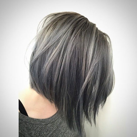 Short Layered Bob