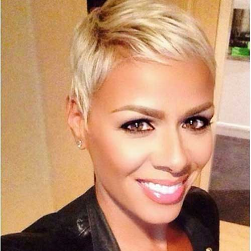 Short Blonde Hairstyle - 11
