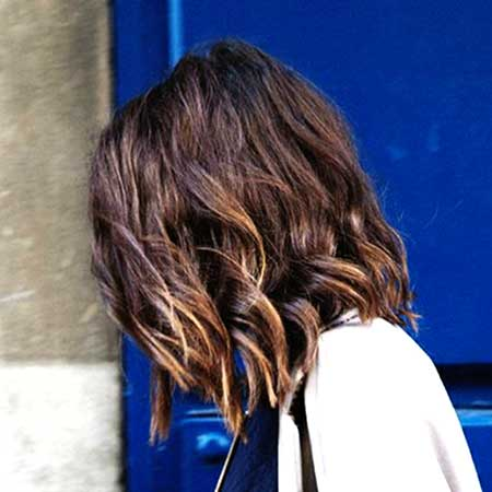 Short and Cute Curly Hairstyle for Girls