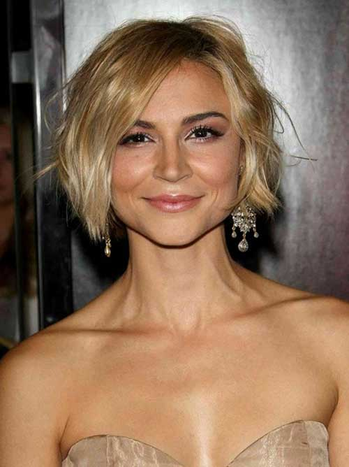 Chic Bob Blonde Hairstyles with Waves