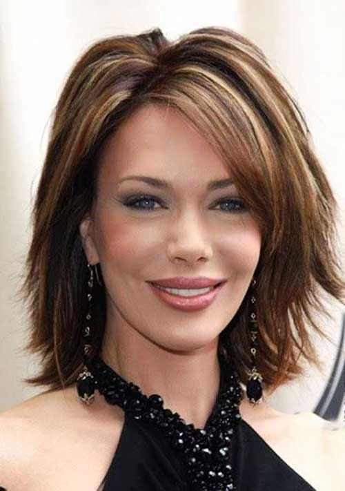Short Layered Hair Cuts for Women Over 40