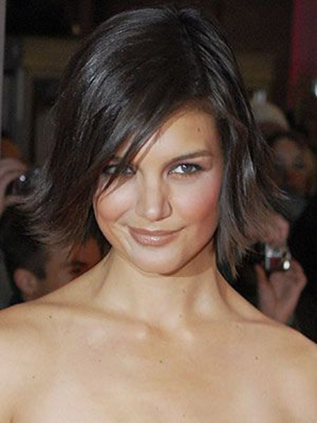 Fabulous Flip Out Bob Cut of Katie Holmes