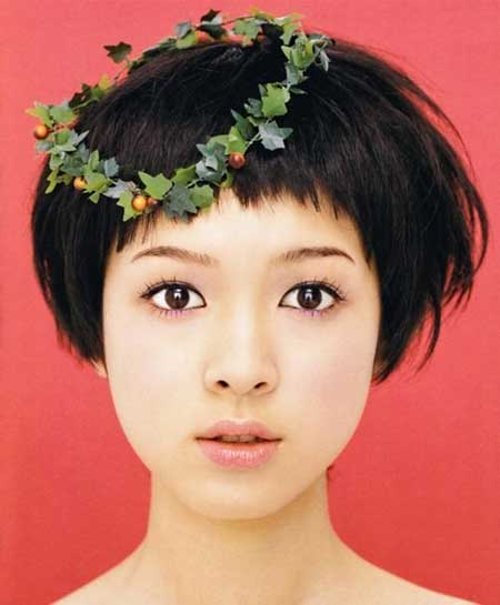 Best Short Hairstyles for Round Faces_4