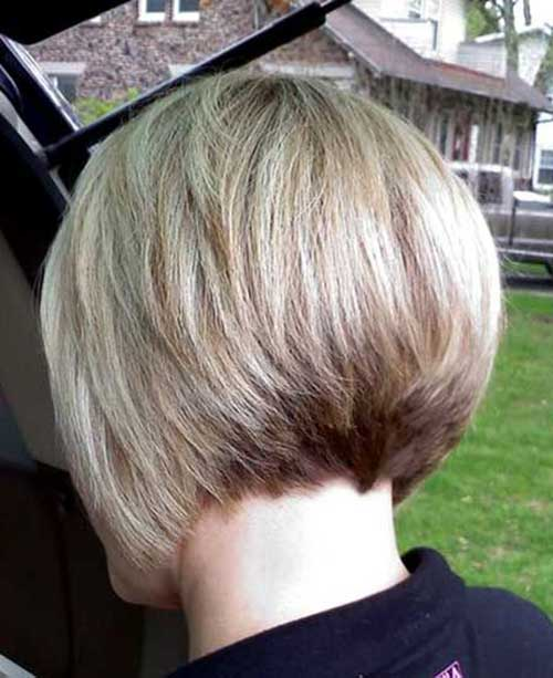 Short Graduated Blonde Bob Hairstyles