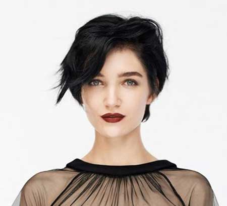 Short Asymmetrical Wavy Hair Idea for Girls