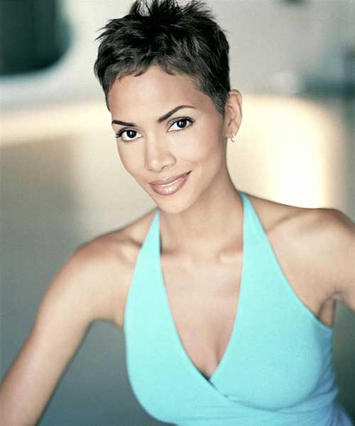 Halle Berry Pixie Cuts-8