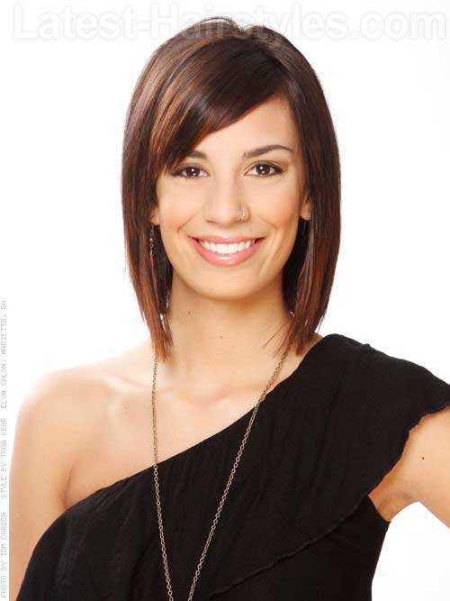 Straight Medium Layered Bob Hair with Bangs